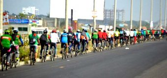 LONGEST SINGLE LINE OF BICYCLES (MOVING)